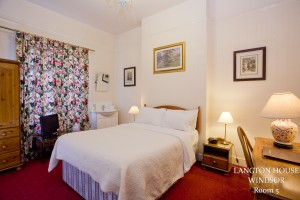 Room 5 - Single room with Private facilities